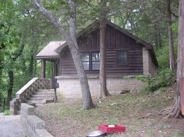 lodging near roaring river