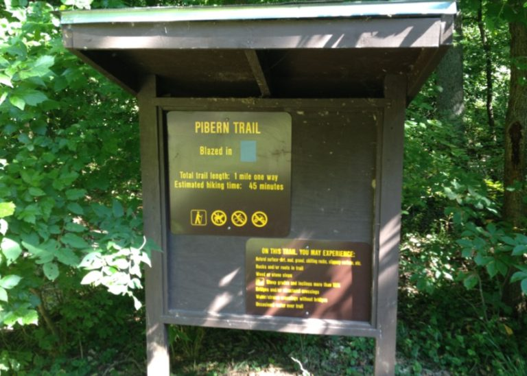 Pibern Trail Hiking Roaring River State Park
